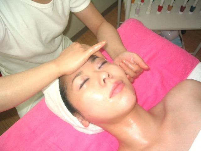 Facial hand massage